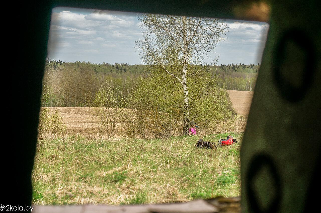 Вид из ДОТА на дорогу